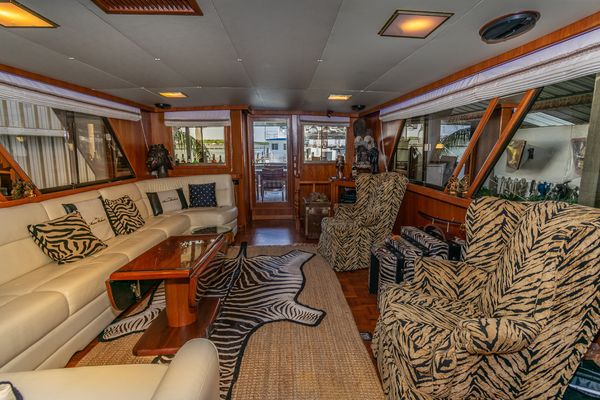 1989 Jefferson 65' 65 Motor Yacht Moon Palace | Picture 3 of 45