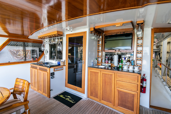1989 Jefferson 65' 65 Motor Yacht Moon Palace | Picture 8 of 45