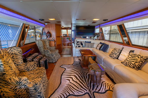 1989 Jefferson 65' 65 Motor Yacht Moon Palace | Picture 2 of 45