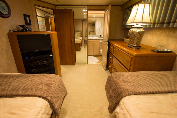 1988 Broward 97' Pilothouse GOLDEN RULE | Picture 4 of 29