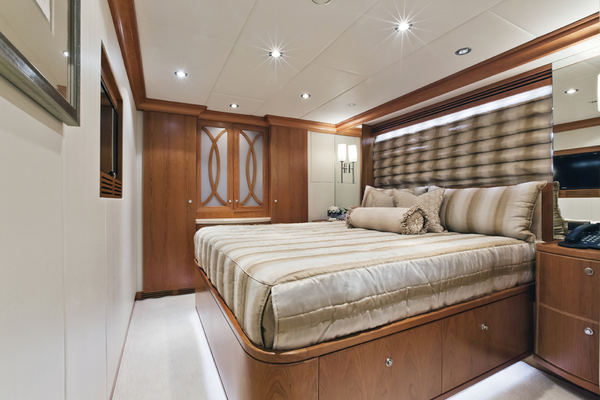 2013Hargrave 114 ft Raised Pilothouse   DONNA MARIE