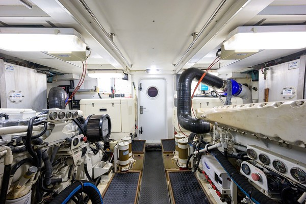 1996 Queenship 61' Pilothouse Motor Yacht UNBRIDLED | Picture 4 of 84