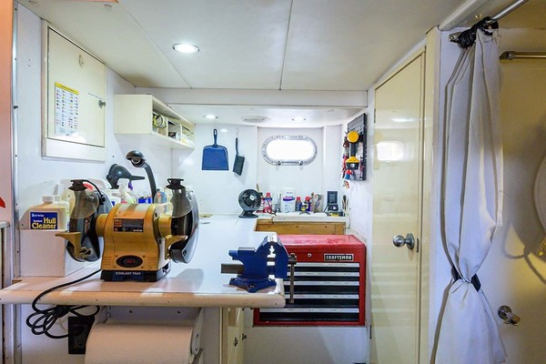1996 Queenship 61' Pilothouse Motor Yacht UNBRIDLED | Picture 5 of 84