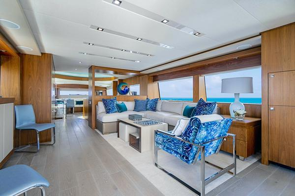 2017 Hatteras 75'  Grateful | Picture 6 of 89