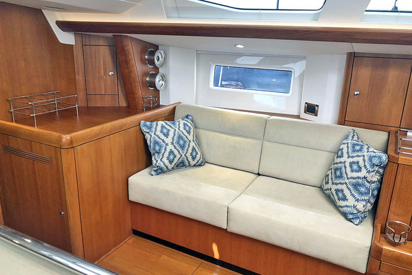 2015 Oyster 48' 475 ALTAIR | Picture 8 of 56