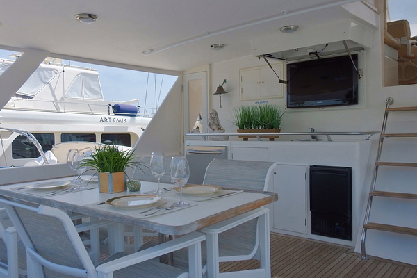 1998 Ocean Alexander 54' Yachtfish Command Bridge Melodious | Picture 3 of 14