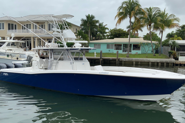 2013 Invincible 42' 42 CC w/SeaKeeper Tender | Picture 1 of 41