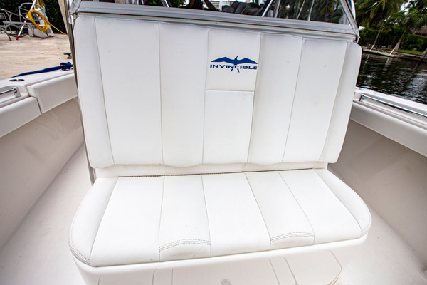 2013 Invincible 42' 42 CC w/SeaKeeper Tender | Picture 7 of 41