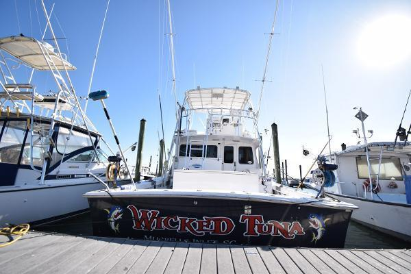 2005 Judge 42' 42XC Convertible Wicked Tuna | Picture 6 of 33
