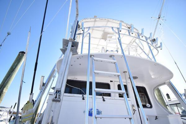 2005 Judge 42' 42XC Convertible Wicked Tuna | Picture 2 of 33