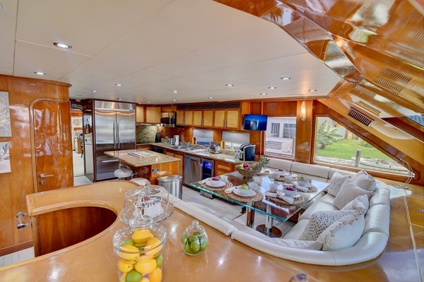 2001 Hargrave 94' Enclosed Bridge Skylounge Done Deal | Picture 7 of 70