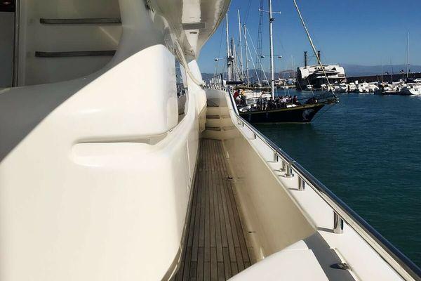 1999 Ferretti Yachts 94' Custom Line 94  | Picture 6 of 13