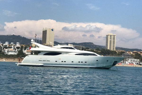 1999 Ferretti Yachts 94' Custom Line 94  | Picture 5 of 13