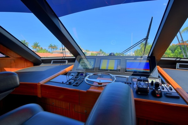 2017 Viking 75' Motor Yacht Neenah | Picture 7 of 69