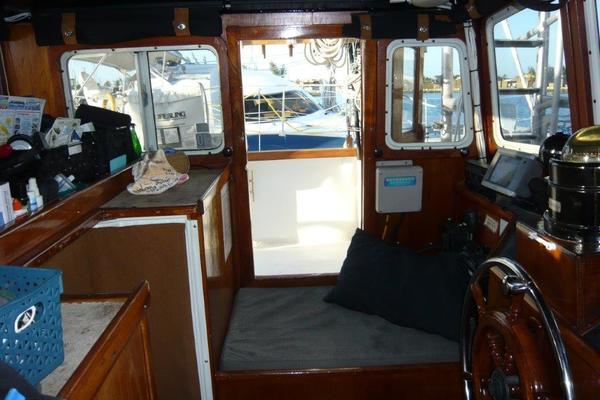 1988 Treworgy 57' Trade Rover Conch Pearl   Picture 1 of 69