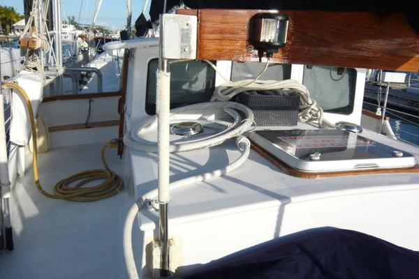 1988 Treworgy 57' Trade Rover Conch Pearl   Picture 2 of 69