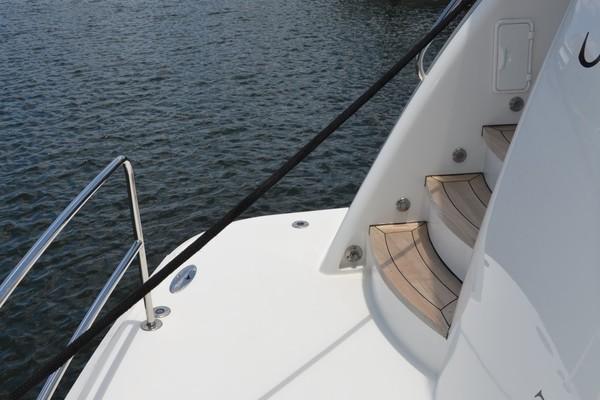 2004 Hatteras 80' Motor Yacht SEA DOZER   Picture 8 of 73
