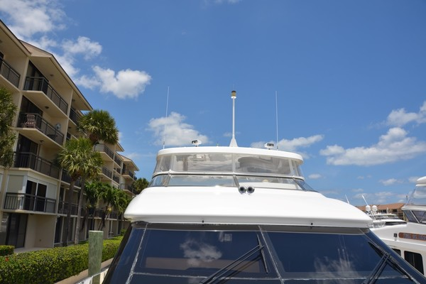 2004 Hatteras 80' Motor Yacht SEA DOZER   Picture 2 of 73