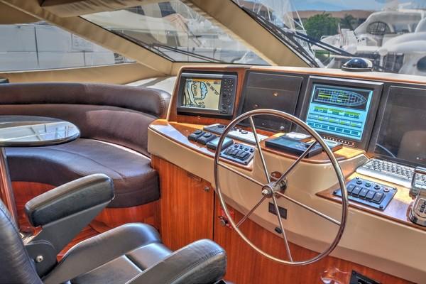2004 Hatteras 80' Motor Yacht SEA DOZER   Picture 6 of 73