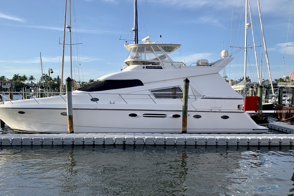 56' Johnson Pilothouse Motor Yacht 1994 | Lucky Duck