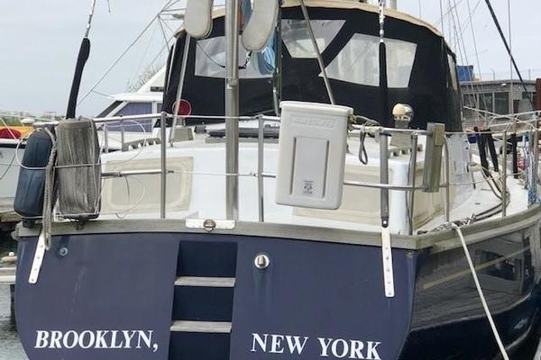 1985 Maple Leaf 56'  BEOWULF | Picture 3 of 20