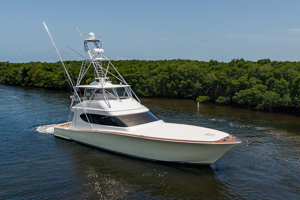 2015 Hatteras 70'  WING MAN | Picture 8 of 48
