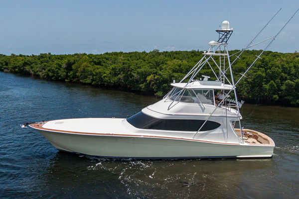 2015 Hatteras 70'  WING MAN | Picture 4 of 48