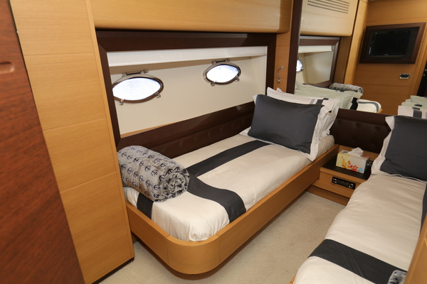 2009 Pershing 72' 72  | Picture 3 of 62