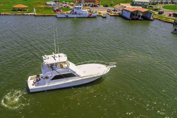 2000 Viking 50' Convertible Pier Pressure | Picture 6 of 42
