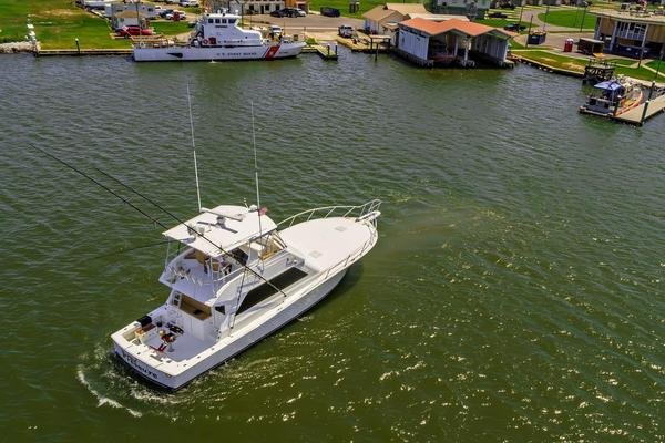2000 Viking 50' Convertible Pier Pressure | Picture 5 of 42