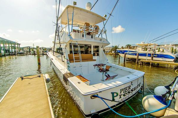 2000 Viking 50' Convertible Pier Pressure | Picture 8 of 42