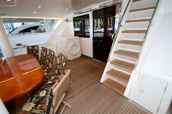 2003 Hargrave 78' Skylounge KISMET | Picture 6 of 61