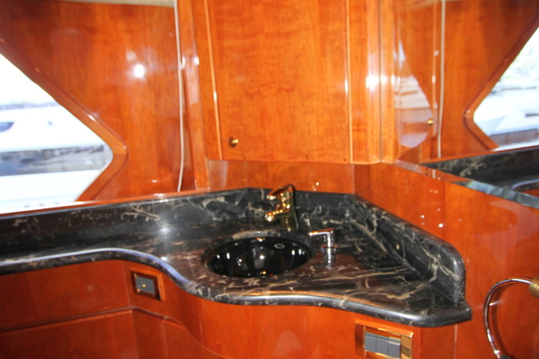 2003 Hargrave 78' Skylounge KISMET | Picture 4 of 61
