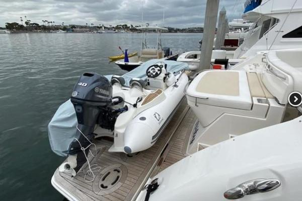 2012 Sea Ray 54' Sundancer 540  | Picture 3 of 13