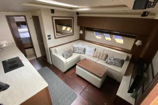 2012 Sea Ray 54' Sundancer 540  | Picture 6 of 13
