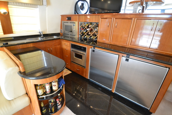 2006 Carver 56' 560 Voyager Crew Quarters | Picture 4 of 45