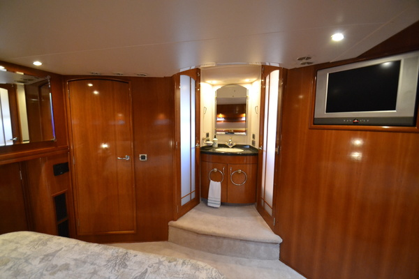 2006 Carver 56' 560 Voyager Crew Quarters | Picture 3 of 45