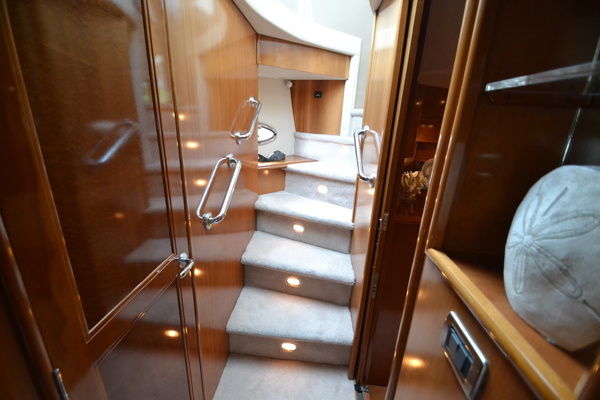 2006 Carver 56' 560 Voyager Crew Quarters | Picture 6 of 45