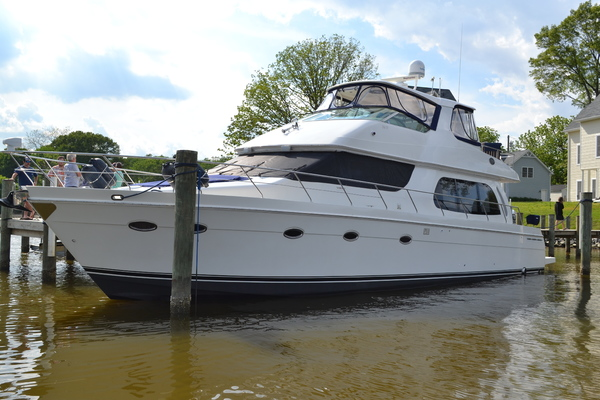 2006 Carver 56' 560 Voyager Crew Quarters | Picture 2 of 45