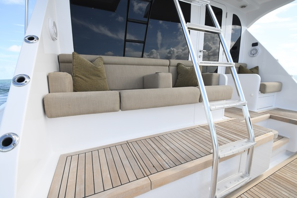 2003 Hatteras 65' 65 Convertible Galati Yacht Sales Trade   Picture 6 of 53