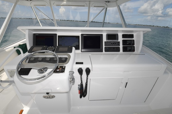 2003 Hatteras 65' 65 Convertible Galati Yacht Sales Trade   Picture 4 of 53