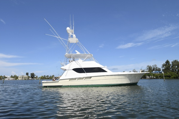 2003 Hatteras 65' 65 Convertible Galati Yacht Sales Trade   Picture 5 of 53