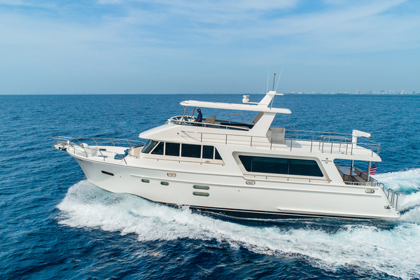 Picture Of: 68' Hampton 658 Endurance LRC 2020 Yacht For Sale | 3 of 60