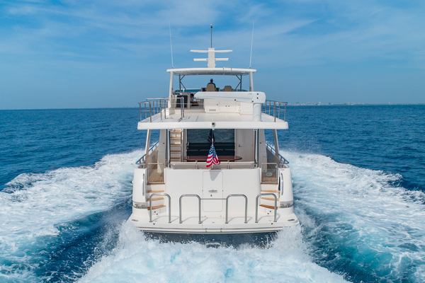 Picture Of: 68' Hampton 658 Endurance LRC 2020 Yacht For Sale | 4 of 60