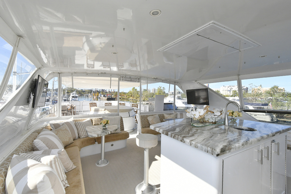 2005 Hatteras 100' 100 Motor Yacht Avanti   Picture 5 of 111