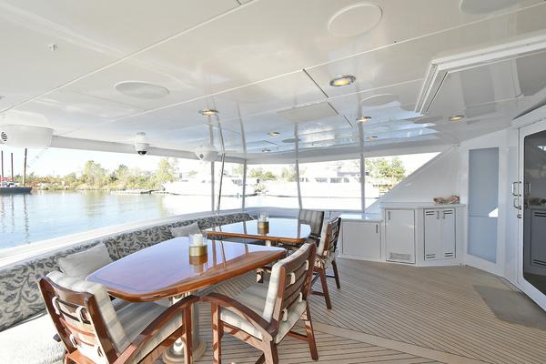 2005 Hatteras 100' 100 Motor Yacht Avanti   Picture 4 of 111