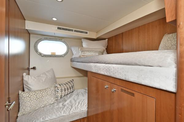 2005 Hatteras 100' 100 Motor Yacht Avanti   Picture 3 of 111