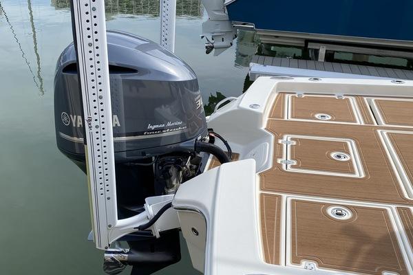 2017Pathfinder 26 ft 2600 TRS