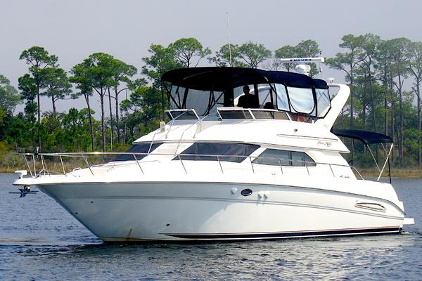 2000 45 Sea Ray Sea Haven Salon 1