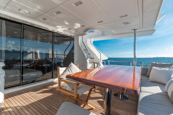 2016 Azimut 84' 84 Motor Yacht    Picture 3 of 83